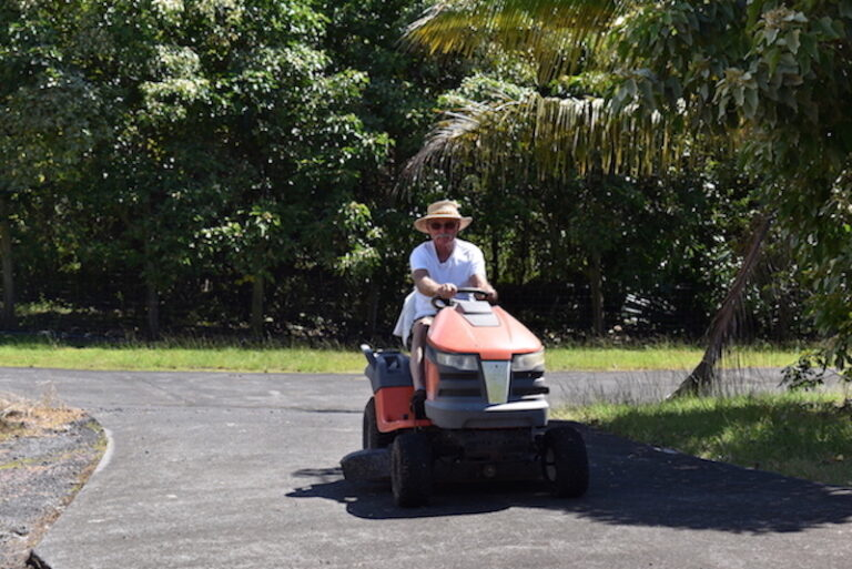 Rideon mower Horizon Guest House Hawaii HGH